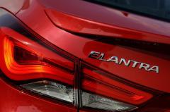 2016 Hyundai Elantra Sport 6MT exterior