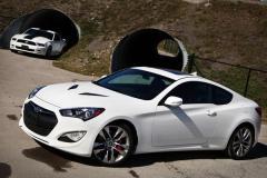 2013 Hyundai Genesis Coupe Photo 2