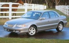 1997 Hyundai Sonata exterior