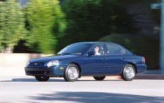 2001 Hyundai Sonata exterior