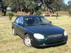 2001 Hyundai Sonata Photo 2