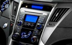 2011 Hyundai Sonata interior