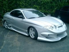 2001 Hyundai Tiburon Photo 3