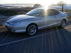 2001 Hyundai Tiburon Photo 4