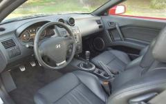2003 Hyundai Tiburon interior