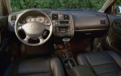 2001 Infiniti G20 interior