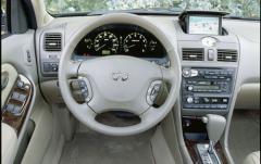 2001 Infiniti I30 interior