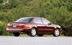 2001 Infiniti I30 exterior