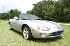 2000 Jaguar XK8 Photo 1