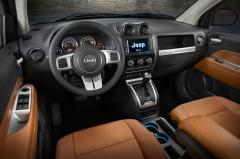 2016 Jeep Compass interior
