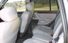 2002 Jeep Grand Cherokee interior