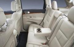 2011 Jeep Grand Cherokee interior