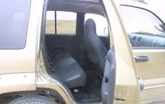 2002 Jeep Liberty interior