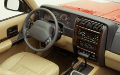 2000 Jeep Wrangler interior
