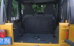 2004 Jeep Wrangler interior