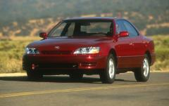 1995 Lexus ES 300 exterior