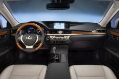 2013 Lexus ES 350 Photo 3