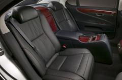 2007 Lexus LS 460 interior
