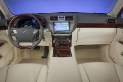 2010 Lexus LS 460 Photo 3