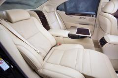 2016 Lexus LS 460 interior
