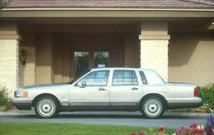 1990 Lincoln Town Car exterior
