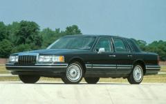 1991 Lincoln Town Car exterior