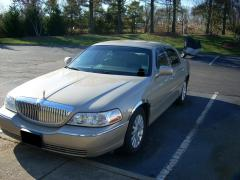 2004 Lincoln Town Car Photo 1