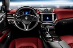 2015 Maserati Ghibli interior