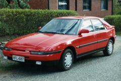 1990 Mazda 323 Photo 1