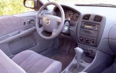 2000 Mazda Protege interior