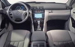 2005 Mercedes-Benz C-Class interior