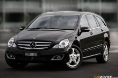 2009 Mercedes-Benz C-Class Photo 1