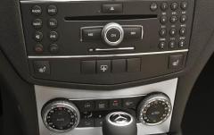 2011 Mercedes-Benz C-Class interior