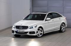 2016 Mercedes-Benz C-Class Photo 1