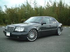 1995 Mercedes-Benz E-Class Photo 3