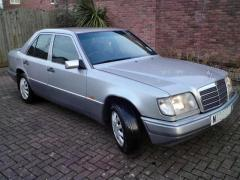 1995 Mercedes-Benz E-Class Photo 1