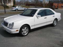 1997 Mercedes-Benz E-Class Photo 2