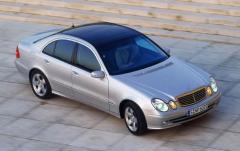 2003 Mercedes-Benz E-Class Photo 16