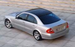 2003 Mercedes-Benz E-Class Photo 18