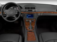 2007 Mercedes-Benz E-Class Photo 2