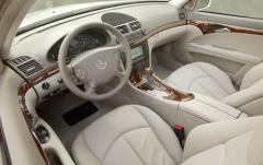 2009 Mercedes-Benz E-Class interior