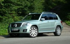 2010 Mercedes-Benz GLK-Class Photo 1
