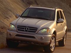 2000 Mercedes-Benz M-Class Photo 1