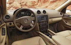 2007 Mercedes-Benz M-Class interior