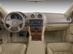 2008 Mercedes-Benz M-Class Photo 2