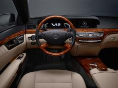 2009 Mercedes-Benz S-Class Photo 2
