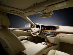 2010 Mercedes-Benz S-Class Photo 3