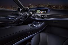 2017 Mercedes-Benz S-Class interior