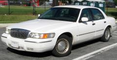 2010 Mercury Grand Marquis Photo 1