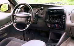2001 Mercury Mountaineer interior